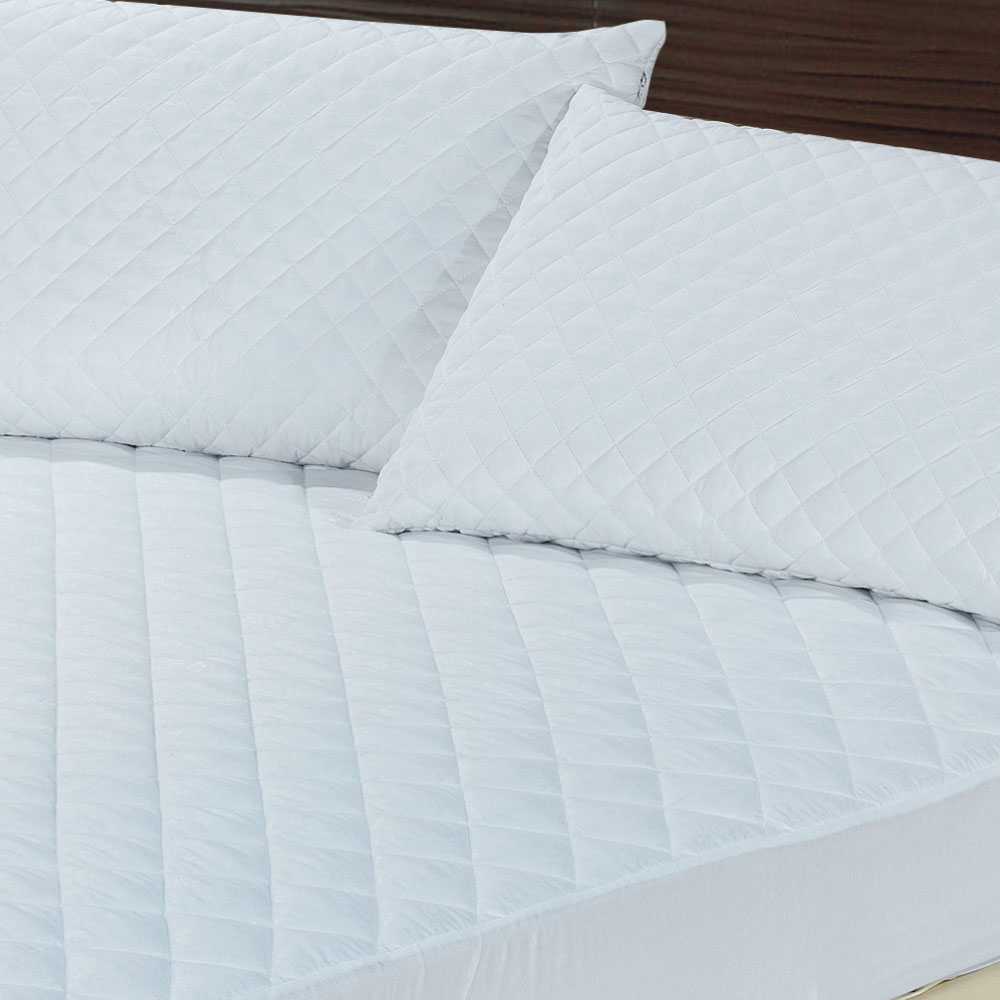 Classic Rose Quilted Pillow Protector