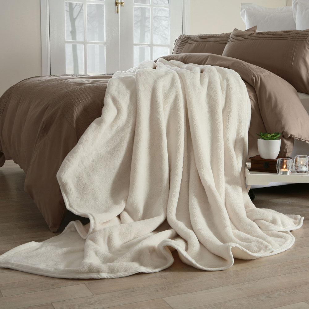 Ultra Plush Polyester Blanket